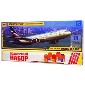 Самолет Боинг 767-300 1:144 подарочный набор